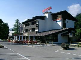 Hotel Davost, hotel in Forni di Sopra