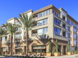 Brandon Street Apartments by Synergy