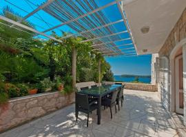 Holiday Home Ivanino, villa in Dubrovnik