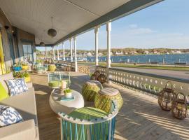 Summercamp, hotel near Martha's Vineyard Airport - MVY, Oak Bluffs