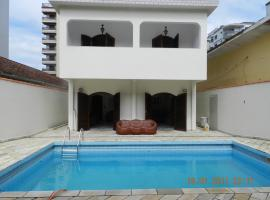 Praia Canto do Forte Guest House, hotel near Litoral Plaza Shopping, Praia Grande