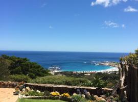 Camps Bay Villa, luxury hotel in Cape Town