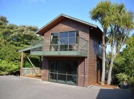 Treetops Cottage at the Castle, hotel in Whitianga