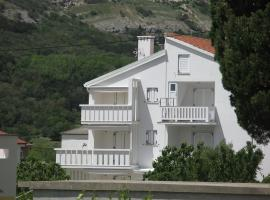 Apartments Posavec, hotel in Baška