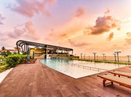 Grandeeza Luxury Hotel, hotel in Negombo