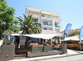 Apartments Lofiel, beach hotel in Novalja