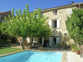 Quaint Holiday Home with Private Pool in Piolenc France, holiday home in Piolenc
