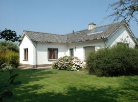Beautiful family house with spacious garden by the North Sea, holiday home in Burgh Haamstede