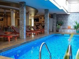 Triton Beach Hotel & Spa, guest house in Maafushi