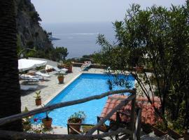 Anneliese B&B, hotel near Marina Piccola - Capri, Capri
