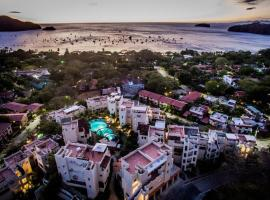 Tropical Gardens Suites and Apartments, serviced apartment in Coco
