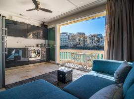 Luxury Seafront apartment quaint seaside village