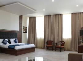 Babian Imperial Resort, hotel with pools in Lucknow