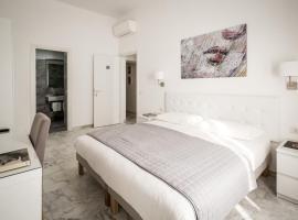 Vinci House, hotel near Vittorio Emanuele Metro Station, Rome