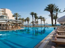Constantinou Bros Pioneer Beach Hotel, hotel in Paphos City
