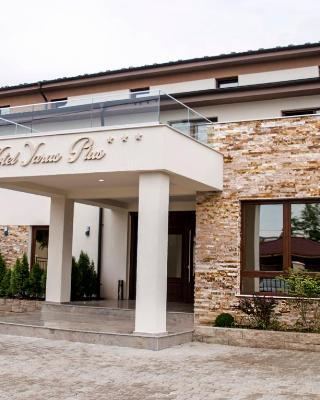 Hotel Yarus Plus