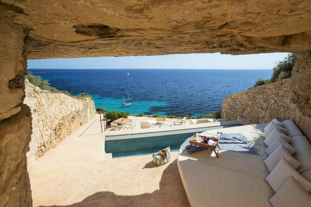boutique hotels in cala blava  2