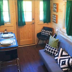 Leavenworth Camping Resort Tiny House Rudolf