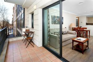 西斯帕諾7蘇匝公寓酒店
