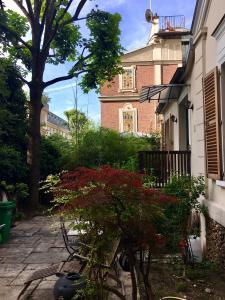 House of Pleasure in Heart of Paris