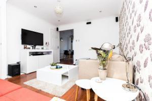Elegant, Stylish, Cozy Home - Excel, Canary Wharf, O2, LCY, London!