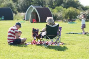 (8) Camping Pod near Lake
