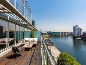 Penthouse with panoramic water views