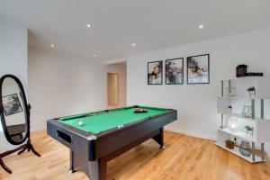 Stunning 4 Bed & 4 Bath Villa- Central London