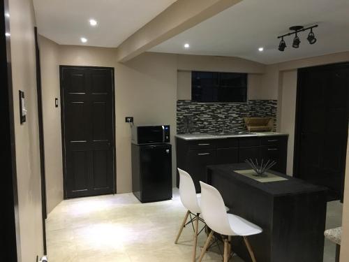 Le Zo Apartments