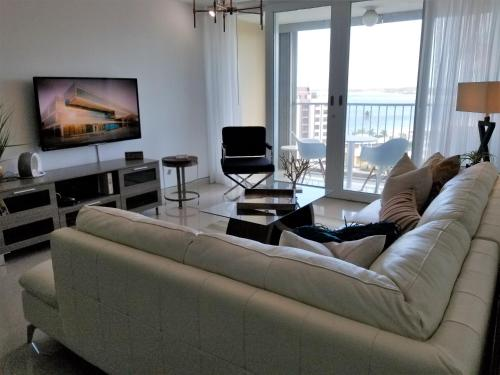 Esj Towers - Ocean View / 2 Bds Apt