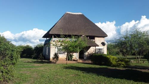 Engiri Game Lodge and Campsite