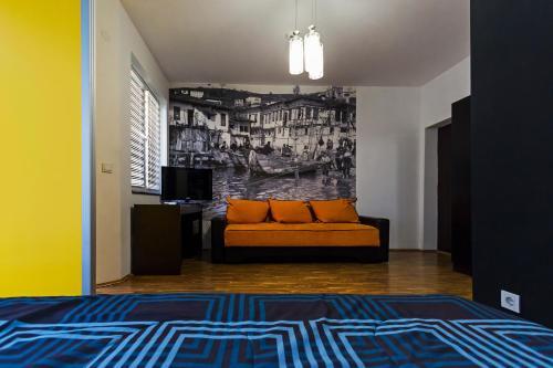 DJ Apartments Plus