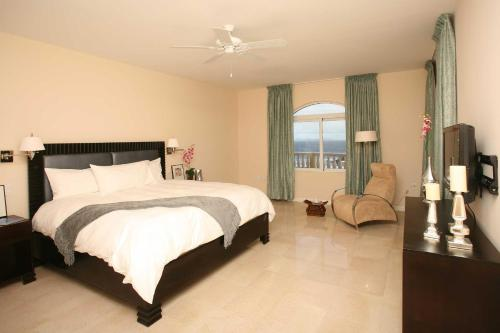Luxurious One Bedroom Suite in Dawn Beach
