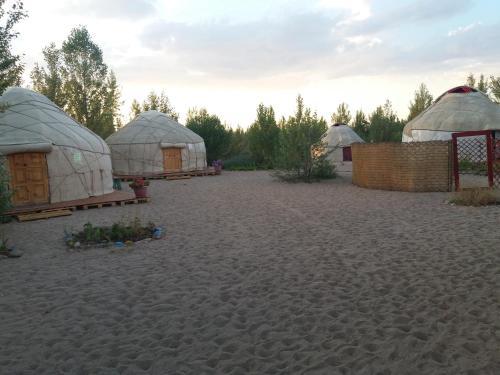 Yurt camp Tosor
