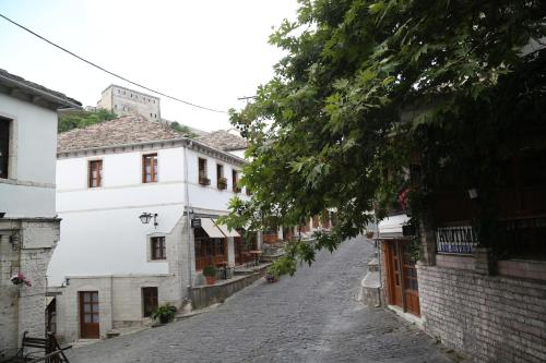 Guest house and hostel Hani i Fisnikut