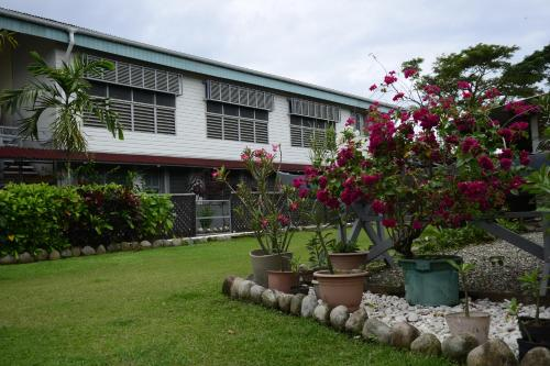 Access Units on Ramsi St