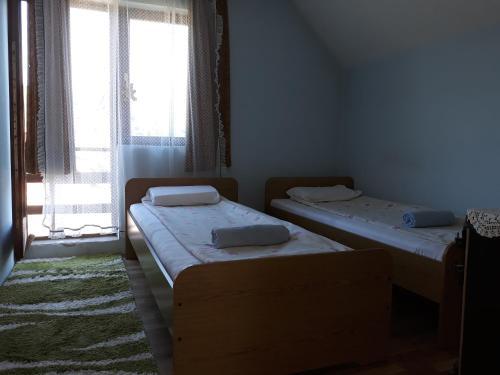 Milosevic rooms