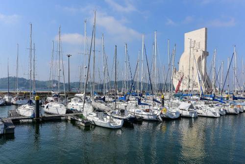 Luxury Yacht - can also sail, or sleep in Cascais!