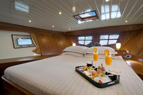 Domicil Yacht Hotel