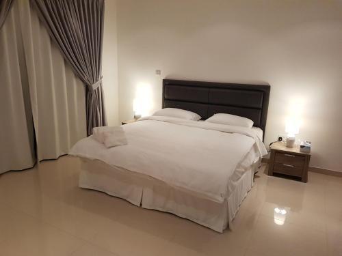 Luxury Apartment at the Prestigious Wave Properties