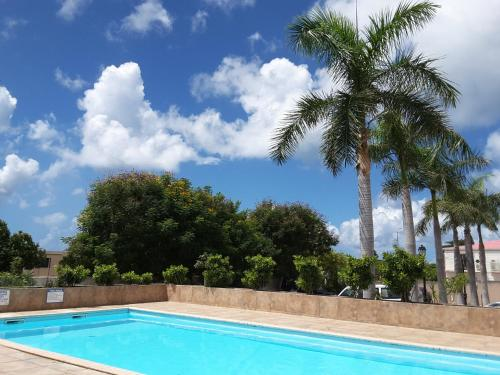 Prime located one bedroom A/C apartment with pool