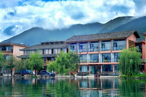 Lugu Lake Guanlanyue Inn