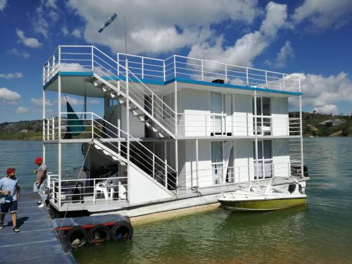 Casa Flotante guide2fly