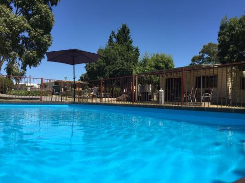 Acacia Caravan Park & Holiday Units