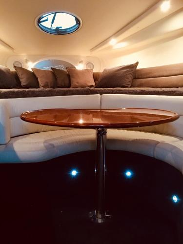 Luxury on the water (Private luxurious boat)