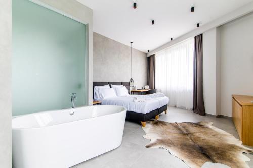 Korpa Deli Rooms