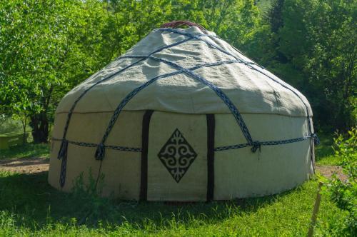 Kara-Kyz Yurt Camp