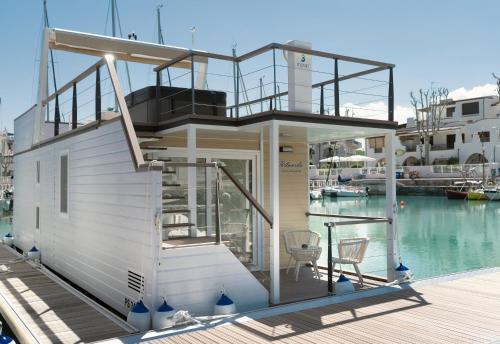 Portoverde Luxury Houseboat