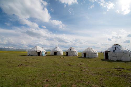 Song-Kul Yurt Camp Edelweiss