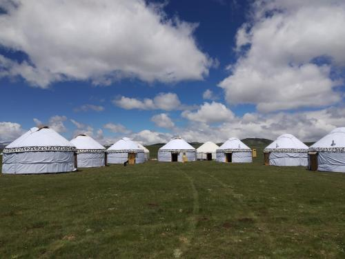 Yurt Camp Muras in Song Kol lake